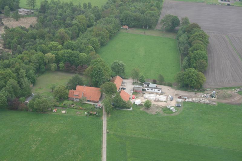 luchtfoto van de boerderij